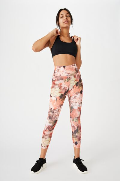 Lifestyle 7/8 Tight, WATER COLOURED PATCHWORK