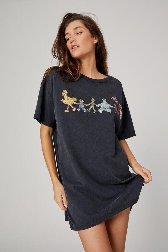Organic Cotton 90S T-Shirt Nightie, LCN SES GANG HOLDING HANDS