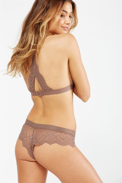 Candice Brasiliano Brief, ESPRESSO