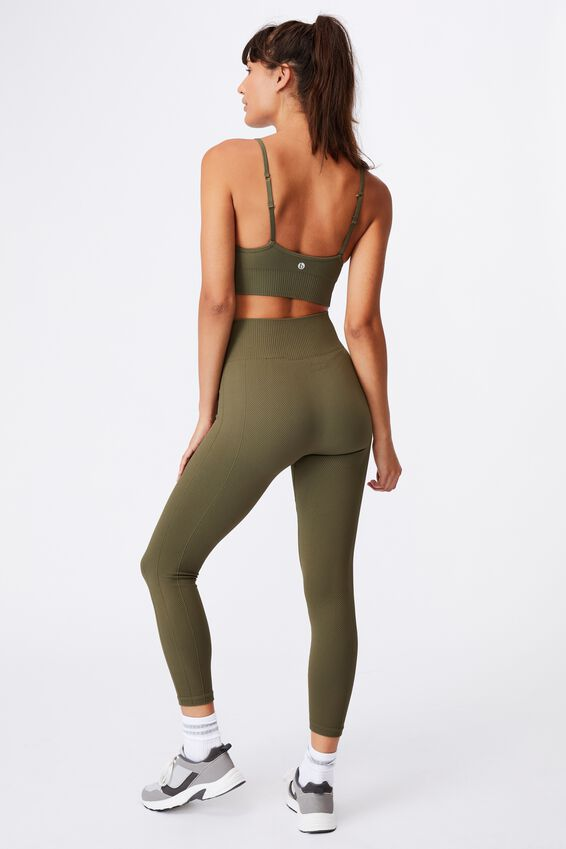 Lifestyle Seamless Crop, DEEP MOSS CHEVRON