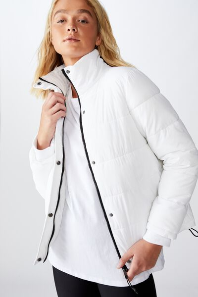 The Mother Puffer, WHITE