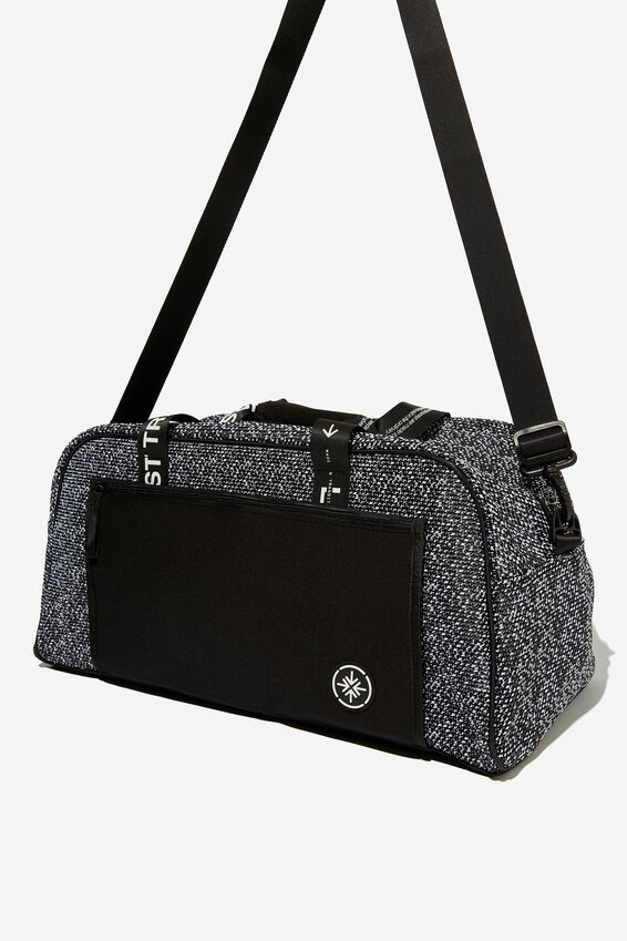 Movement Yoga Duffle, BLACK