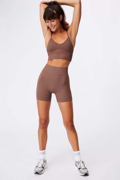 Lifestyle Seamless Crop, RAW UMBER CHEVRON
