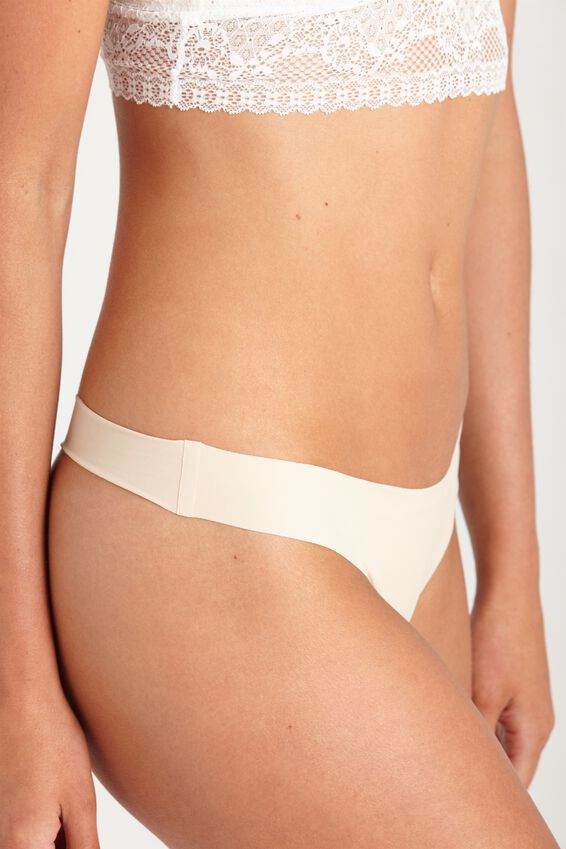 Seamless Essential G-String Brief, FRAPPE