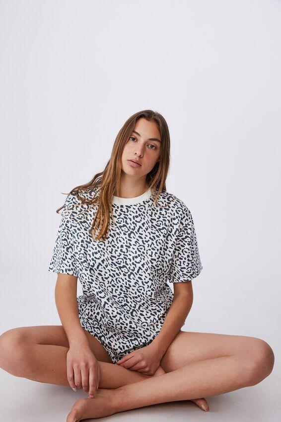 90S Bed T Shirt, SAFARI ANIMAL