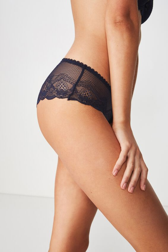 Cindy Boyleg Brief, MIDNIGHT