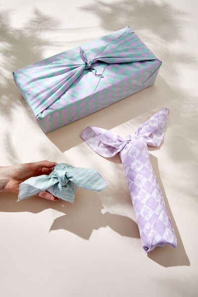 Foundation Body Fabric Gift Wrap Set, GINGERBREAD CHECK LILAC GREEN