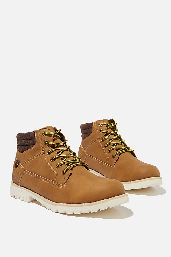 Mills Adventure Boot, TAN