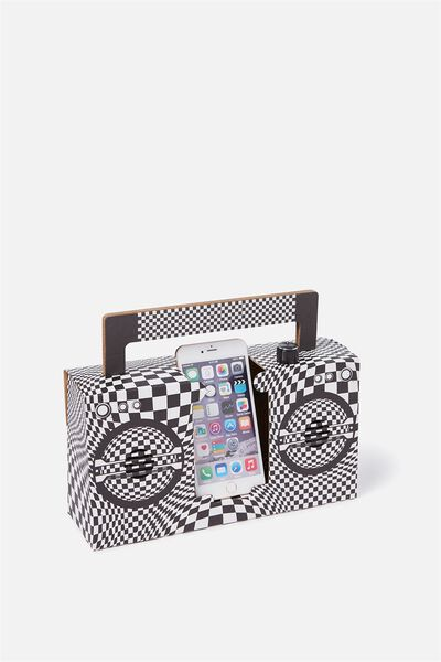 Boombox, BLACK/WHITE ILLUSION