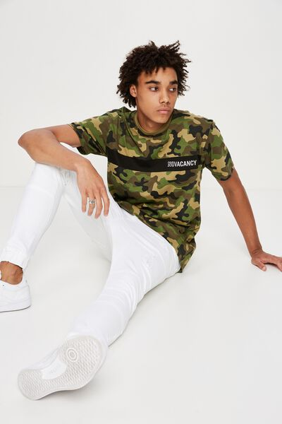 Camo Spliced T Shirt, CAMO/ NO VACANCY