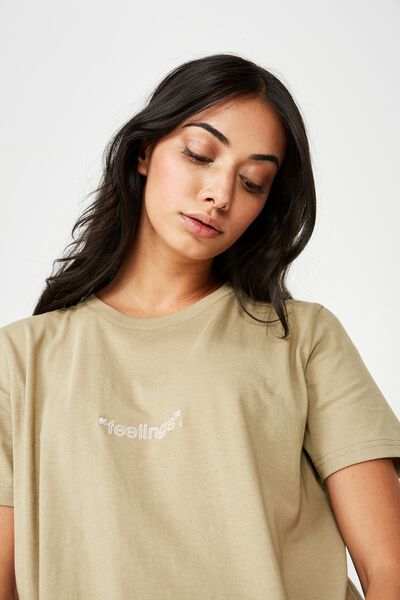 Relaxed Graphic T Shirt, PALE KHAKI_FEELINGS EMB