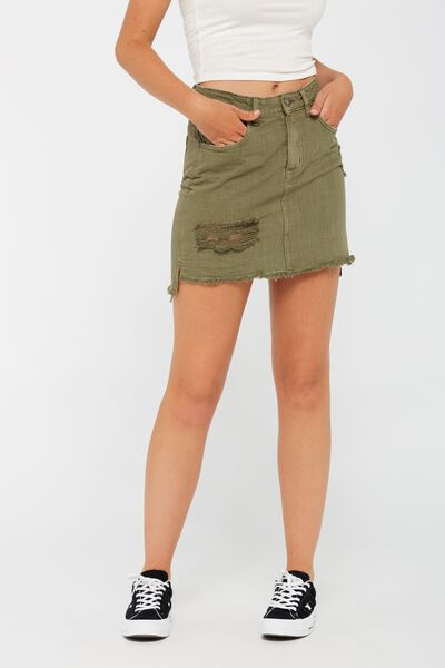 The Step Skirt, FOUR LEAF CLOVER_WORN