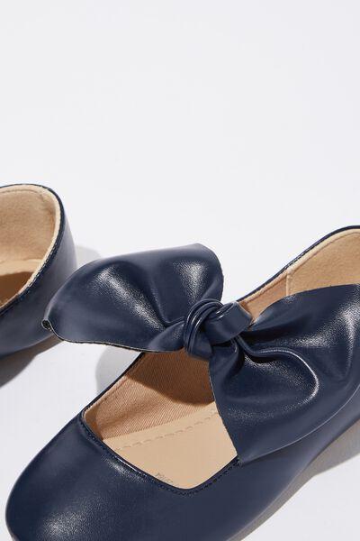Knot Ballet, NAVY