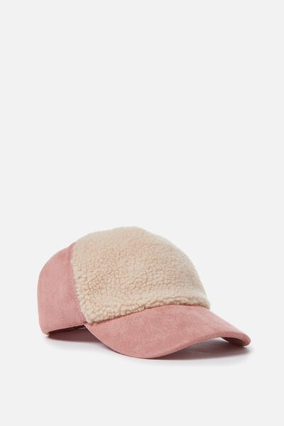 Halle Cap, CAMEO BROWN