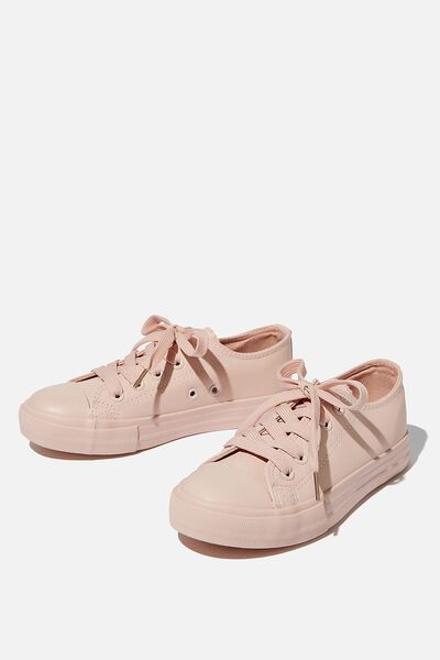 Classic Trainer, PEACH WHIP