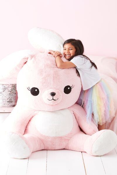 1M Giant Plush, MIA