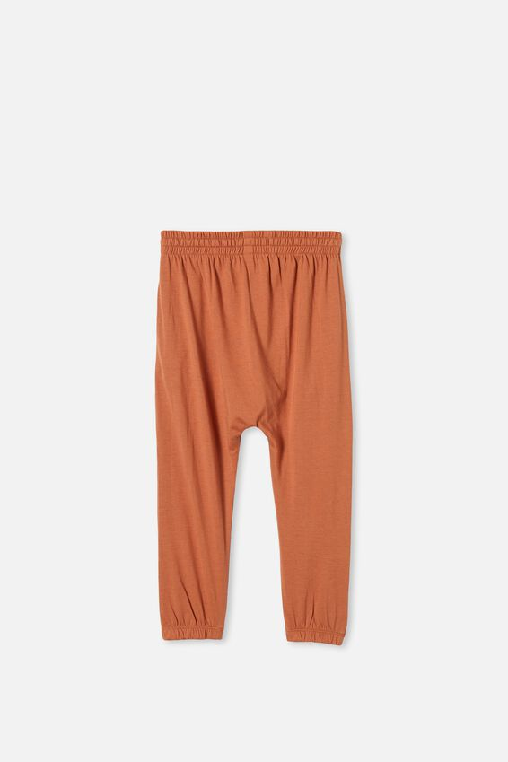 Lennie Pant, AMBER BROWN
