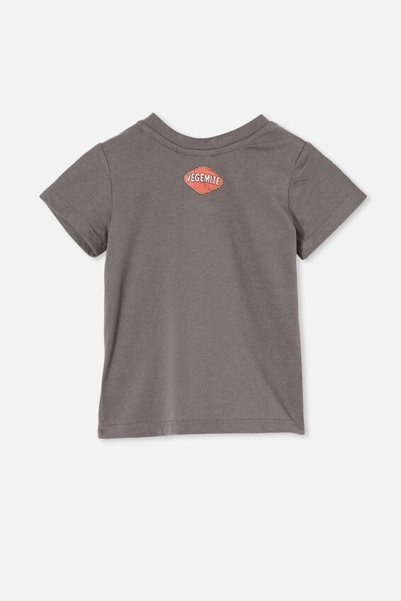 Jamie Short Sleeve Tee-License, LCN VEG RABBIT GREY/HAPPY LITTLE VEGEMITE