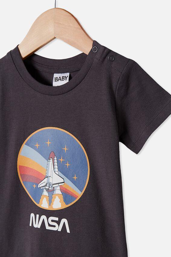 Jamie Short Sleeve Tee, LCN NAS GRAPHITE GREY/NASA