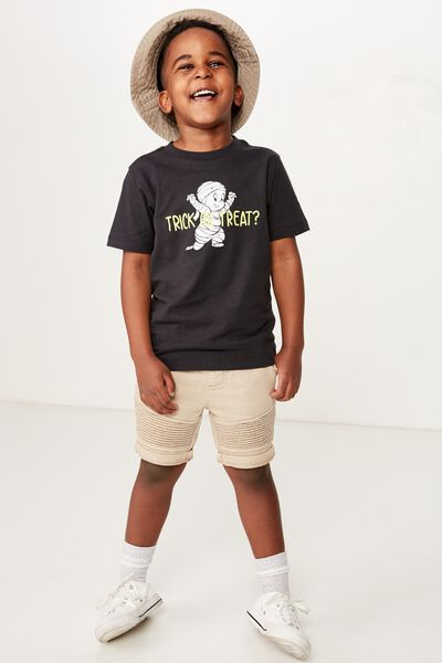Co-Lab Short Sleeve Tee, LCN UNI TRICK OR TREAT PHANTOM