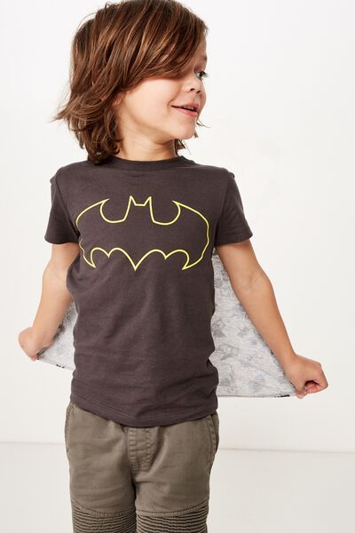Short Sleeve License Cape Tee, LCN WB BATMAN LOGO/PHANTOM