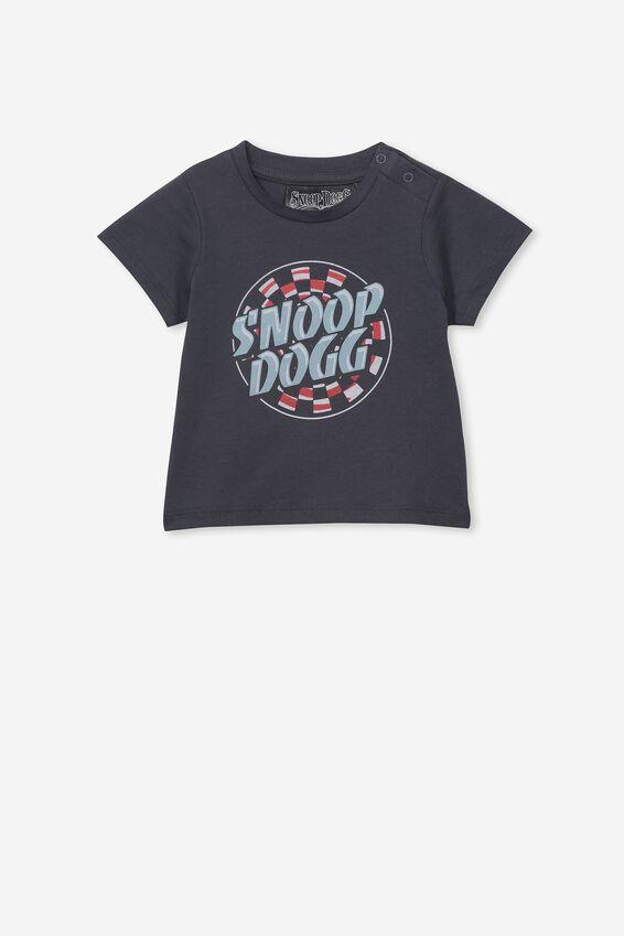Jamie Short Sleeve Tee, LCN MT GRAPHITE GREY/SNOOP DOG