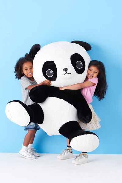 1M Giant Plush, OLI