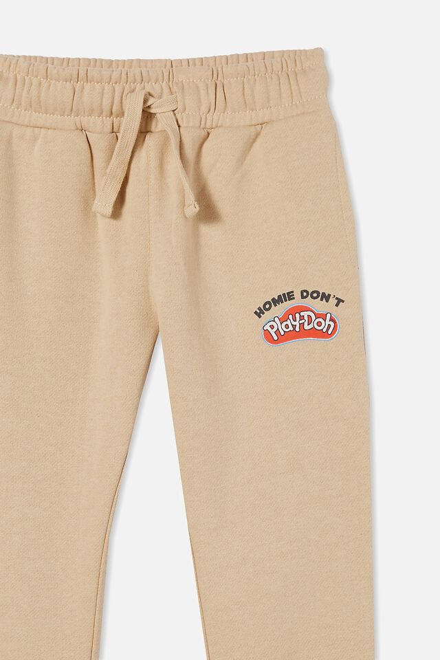 License Slouch Trackpant, LCN HAS SEMOLINA/HOMIE DON T PLAY DOH