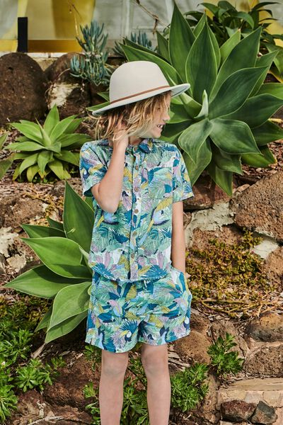 Resort Short Sleeve Shirt, TROPICAL BIRDS/RAINY DAY