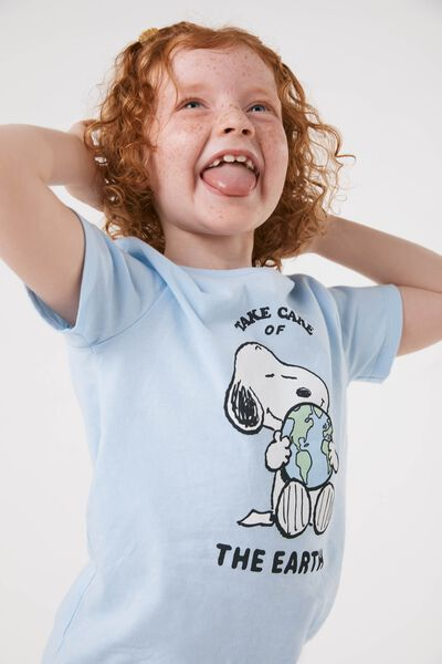 License Short Sleeve Tee, LCN PEA SNOOPY EARTH/WHITEWATER BLUE