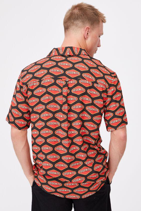 Short Sleeve Collab Shirt, LCN VEGEMITE BLACK