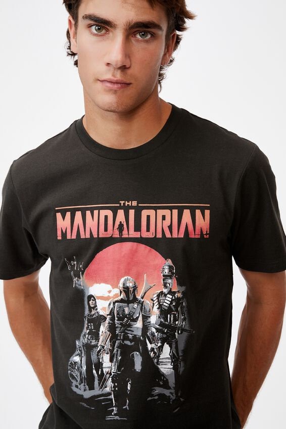 Tbar Collab Movie And Tv T-Shirt, LCN DIS WASHED BLACK/THE MANDALORIAN - VINTAG