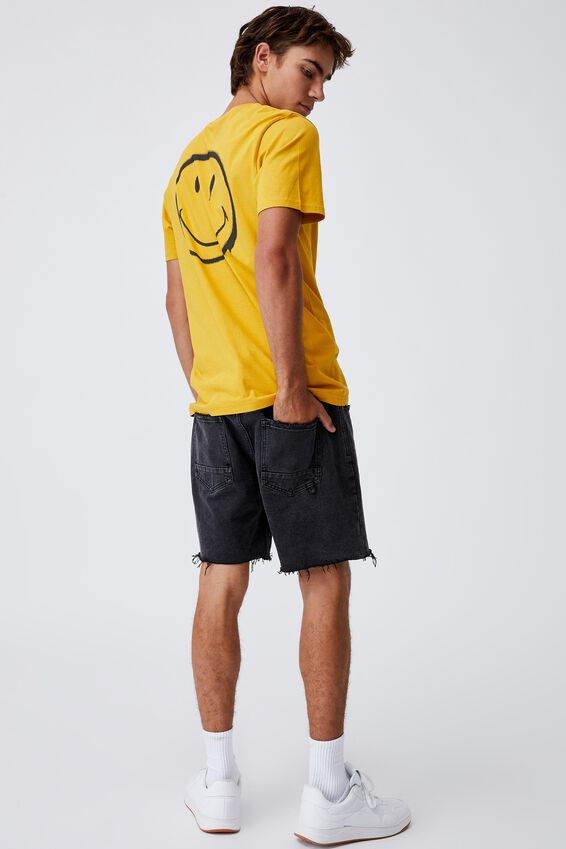 Tbar Collab Pop Culture T-Shirt, LCN SMI REGAL YELLOW/SMILEY-SPRAY PAINTED
