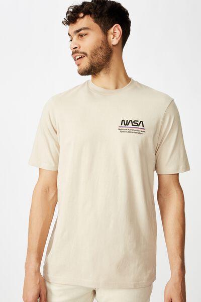 Tbar Collab Pop Culture T-Shirt, LCN NAS SK8 PEARL/NASA - WORM LOGO STRIPES
