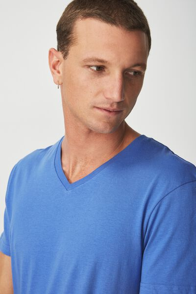 Essential Vee Neck, ULTRA BLUE
