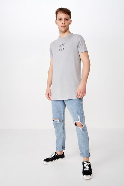Longline Scoop Hem Tee, OVERCAST GREY ACID/BRKLYN STACKED