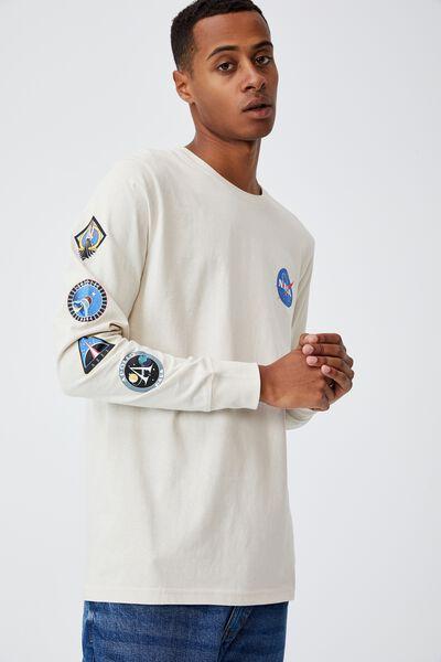Tbar Collab Long Sleeve T-Shirt, LCN NAS BONE/NASA - RETRO BADGES