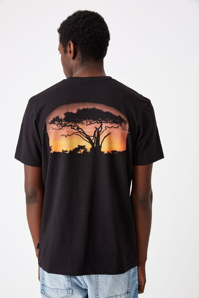 Tbar Collab Pop Culture T-Shirt, LCN NG BLACK/NATIONAL GEOGRAPHIC - SAVANNAH SUNSET