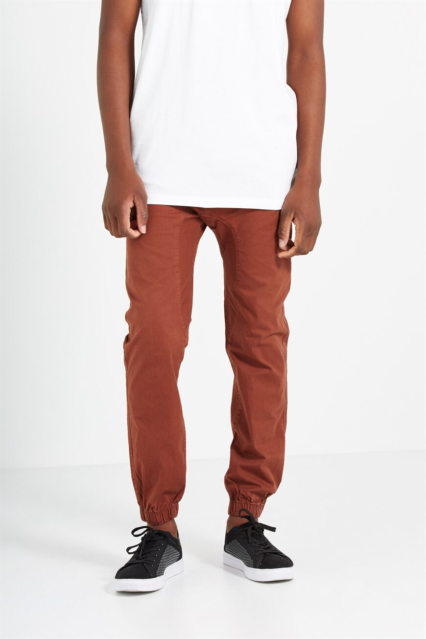 Drake Cuffed Pant, DARK COPPER. Cotton On Men