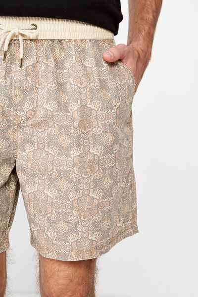 Hoff Short, NATURAL CIRCLE PAISLEY