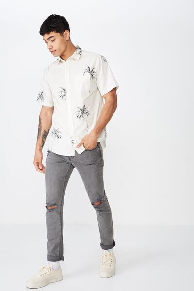 6e4e4053e90b Short Sleeve Resort Shirt, VINTAGE WHITE PALM TREES. Cotton On Men