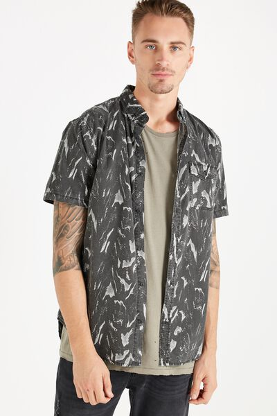 Easy Washed Short Sleeve Shirt, BLACK WAVE PRINT