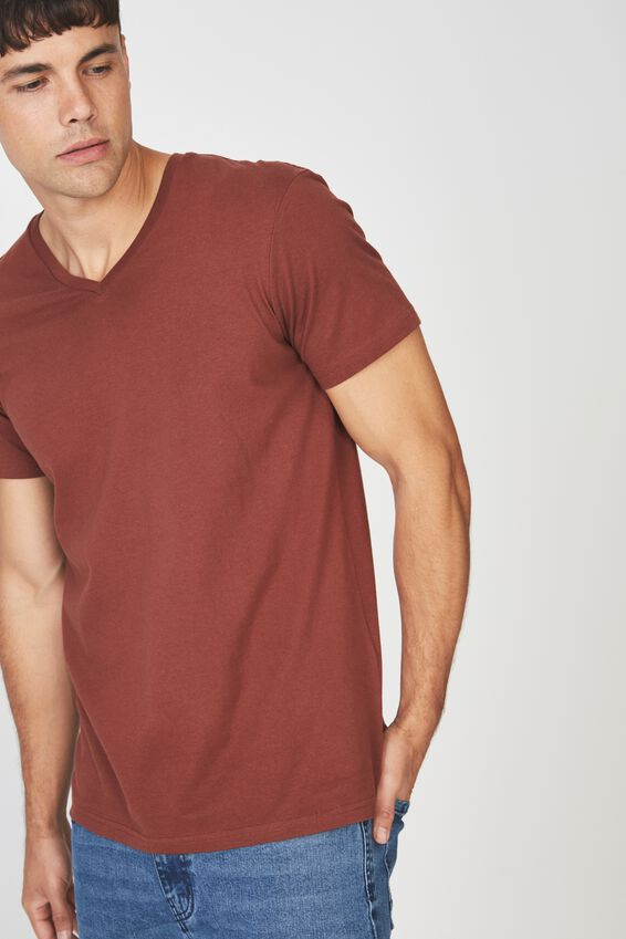 Essential Vee Neck, BARN RED