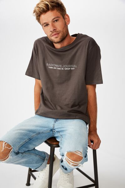 Tbar Text T-Shirt, SK8 FADED SLATE/TUNE IN DROP OUT