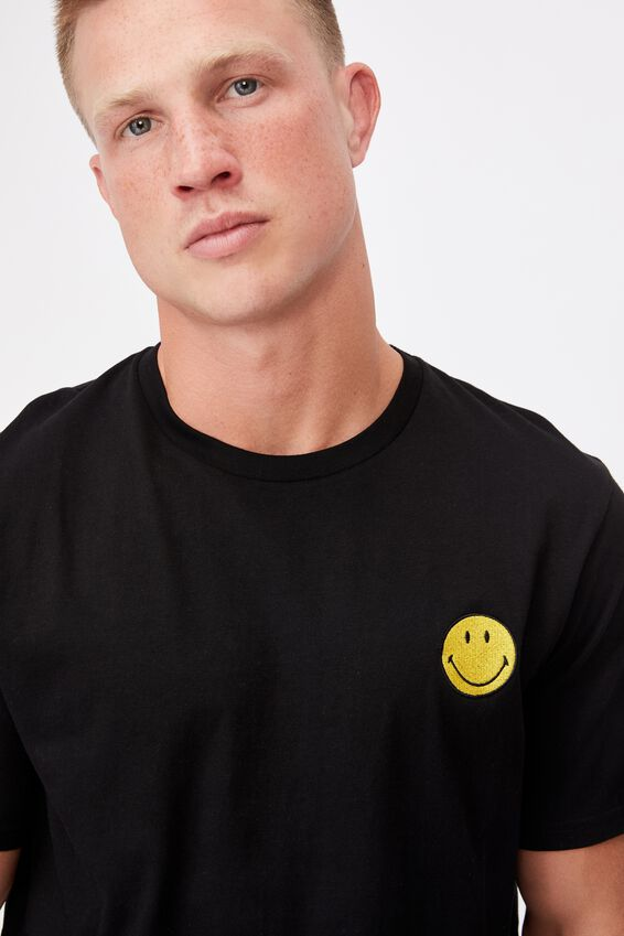 Tbar Collab Pop Culture T-Shirt, LCN SMI BLACK/SMILEY-EMBROIDERY