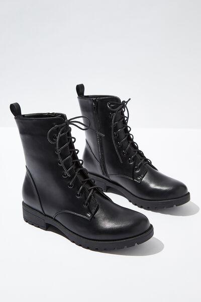 Hamilton Lace Up Boot, BLACK