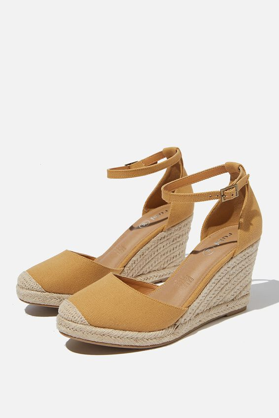 Florence Closed Toe Wedge, MUSTARD