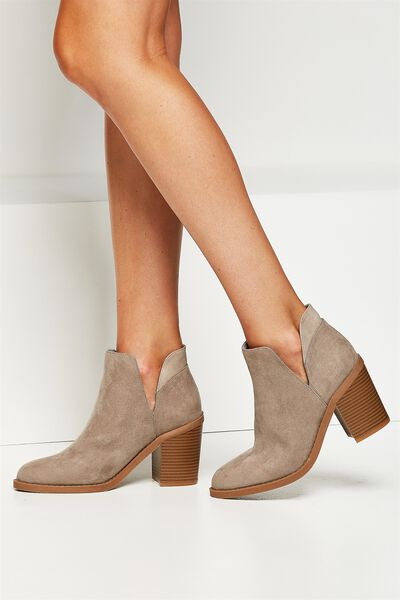 Rodeo Cut Out Boot, TAUPE