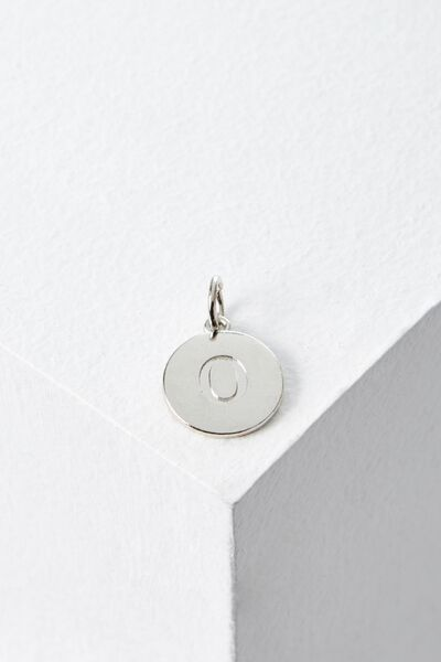 Letter Flat Pendant Charm, SILVER - O