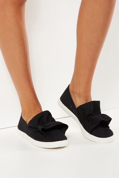 Hazel Frill Slip On, BLACK